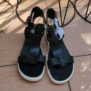 Black t-bar chunky sandals cleated double strap buckle festival leather look windsor smith cotton on billini novo rubi