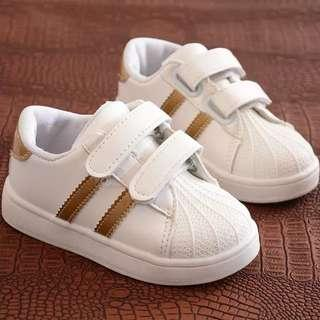🚚 🌼INSTOCK🌼 BOYS White Gold stripes Shoes Sneakers