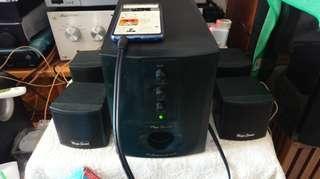 Mega sound 小型鄺音機,正常可用,有歲月痕跡,平售$80