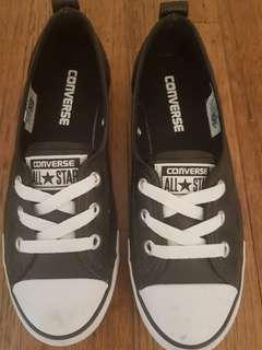 Converse Leather size US 6