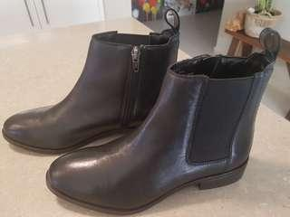 Ladies Hush Puppies leather boots