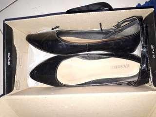 Sepatu cantik wrna hitam