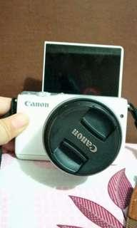 canon mirrorless m10