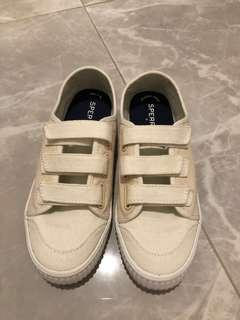 Sperry canvas shoe in off white