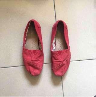 🚚 正品Toms紅色輕便鞋9成新/w6/24