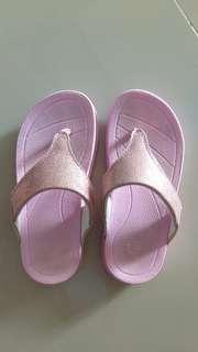 Toezone sandal size 9