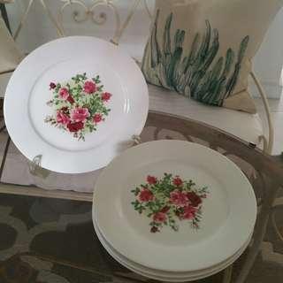 "🚚 9"" Cake Plates"
