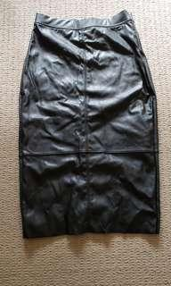H&M BLACK FAUX LEATHER SKIRT