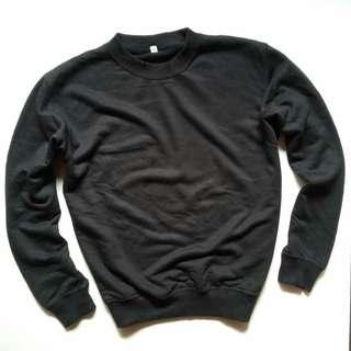 UNIQLO SWEATER SIZE M GOOD