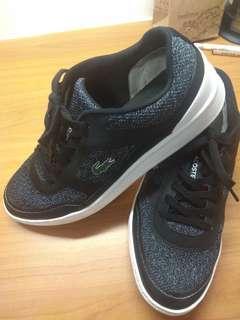 🚚 Lacoste shoes excellent condition