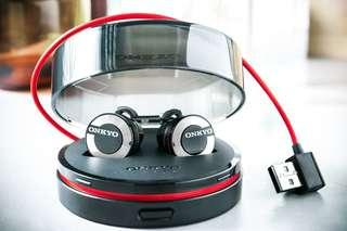 Onkyo W800BT. 真藍牙無線耳筒