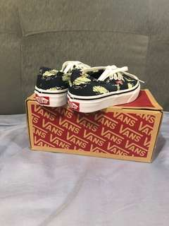 70ab000e0f Vans Kids Shoes (Glow in the Dark)