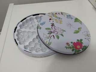 Giftbox 禮盒 (Rokka no Tsuyu六花亭)