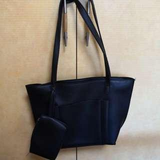 Shoulder bag come with small pound