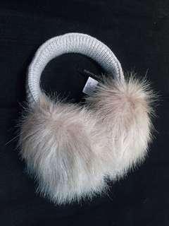 紐約購入✨BANANA REPUBLIC 時尚毛毛保暖耳罩