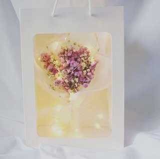 ✨ Valentine's Day Special 「Romance Galaxy」🌹Korean Baby's breath Dried Flower➕greeting card➕fairy lights✨