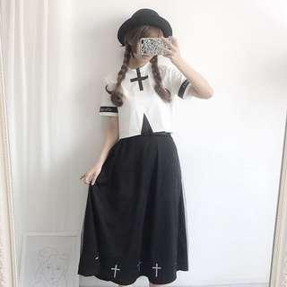 🚚 日系軟妹十字架拼色黑白短款上衣+純色百搭長裙