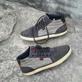 Sepatu DG second
