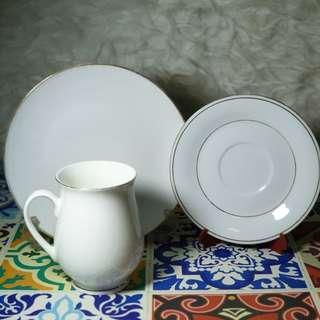 Tea cup & side plate