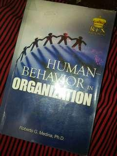 Human Behavior in Organization (Roberto G. Medina)