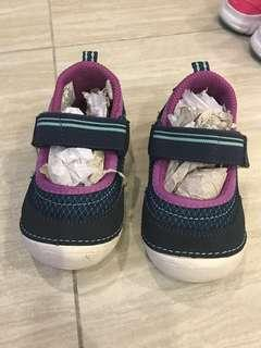 Stride rite Medley girl shoes size 5.5W