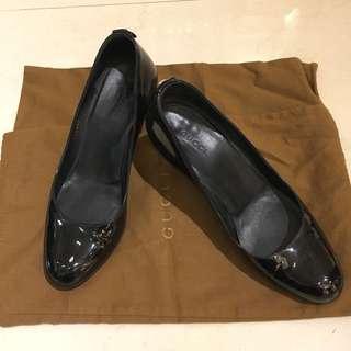 Gucci 黑色圓頭跟鞋