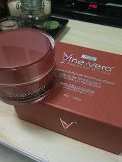 Vine Vera Resveratrol Zinfandel Radiance Cream 52g