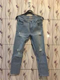 Celana jeans no denim