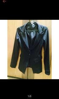 🚚 基本款黑色西裝外套