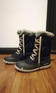 Quechua decathlon snow boots UK4