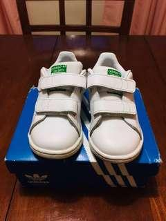 Adidas stansmith toddler size 7