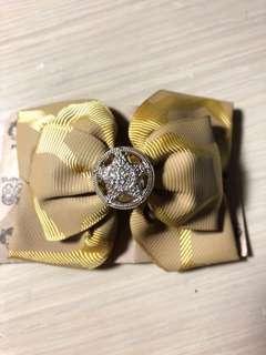 全新芥黃色蝴蝶髮夾