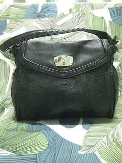 Brera Shoulder Bag
