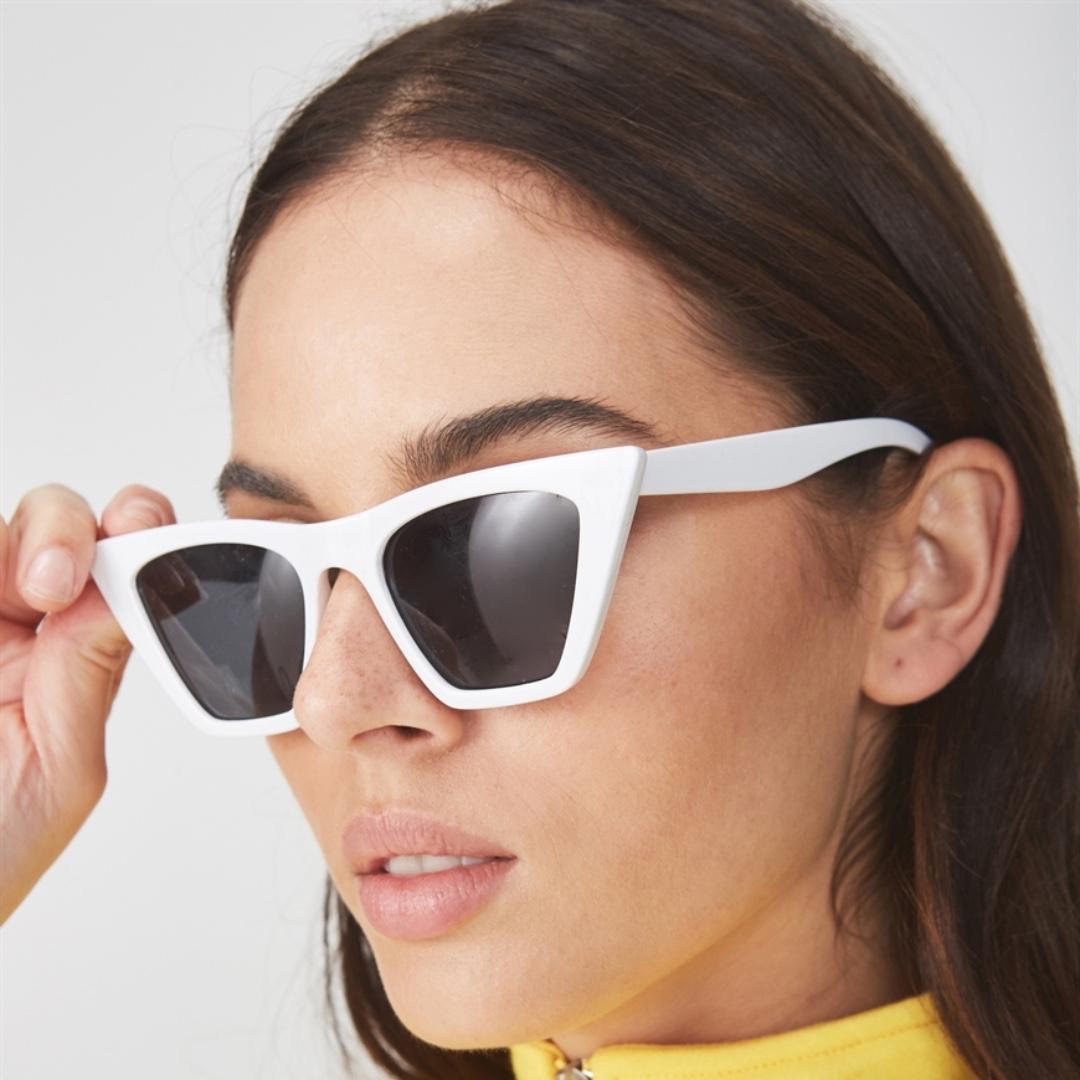 Bold Cat Eye Sunglasses