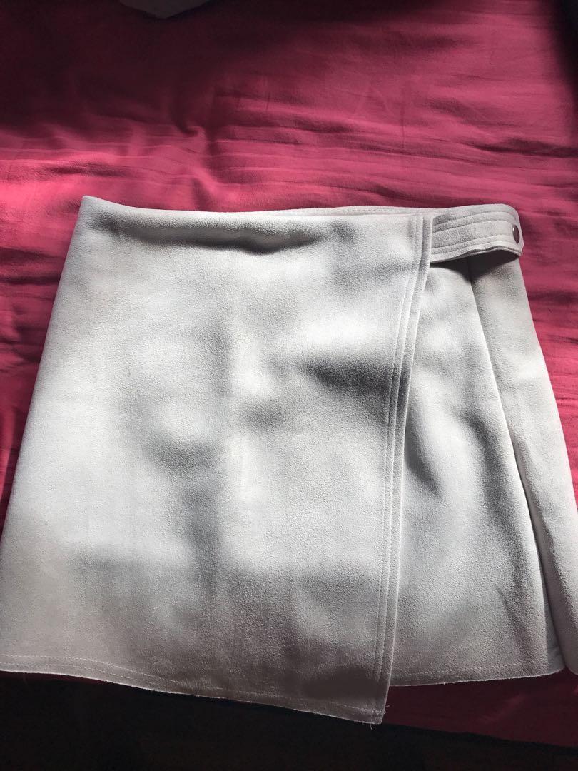 Cream asymmetrical skirt