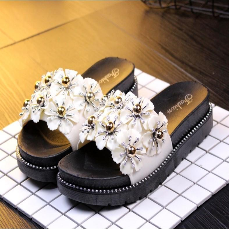 Fashion Webee 7 flower Sandal High Heel.