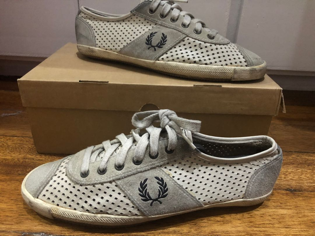 18f72ff3fd76 Fred Perry Sneakers