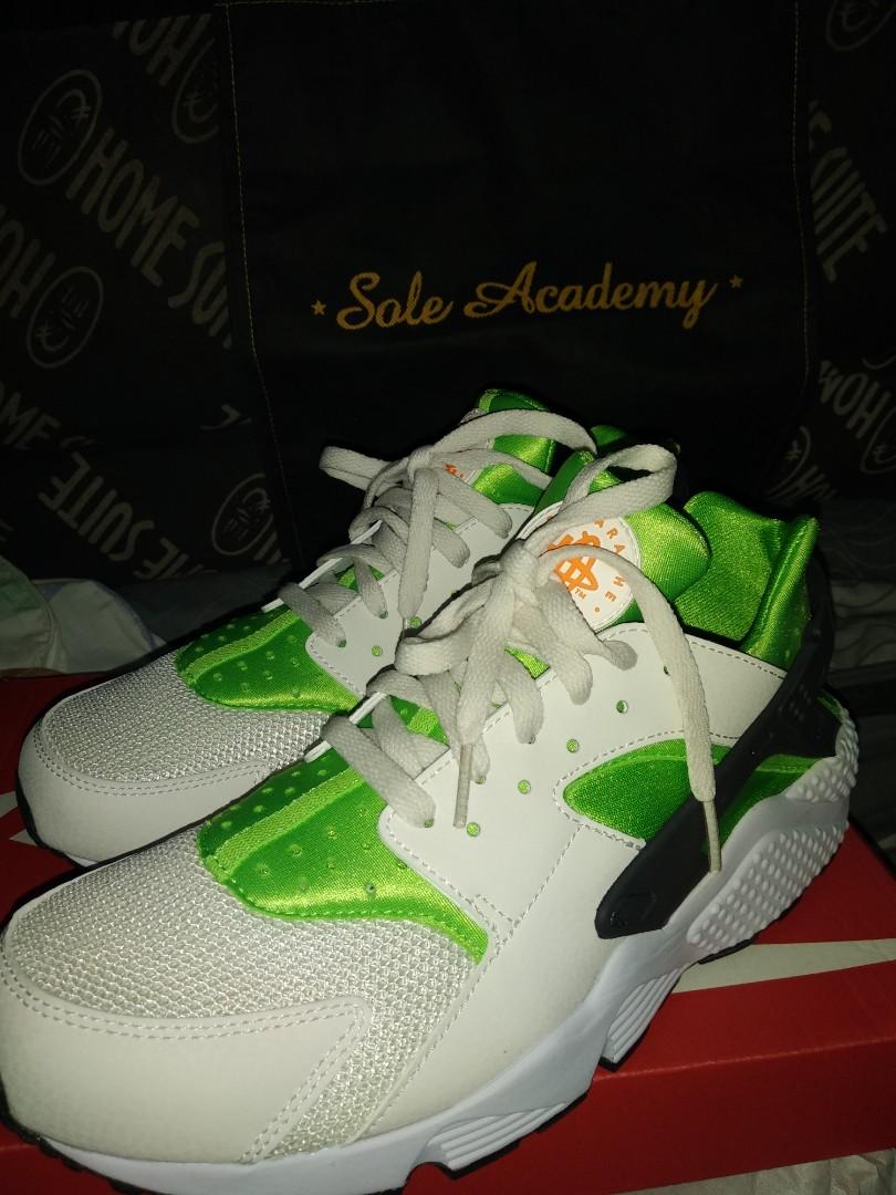 4b35339bf37a7 Nike Air Huarache Run