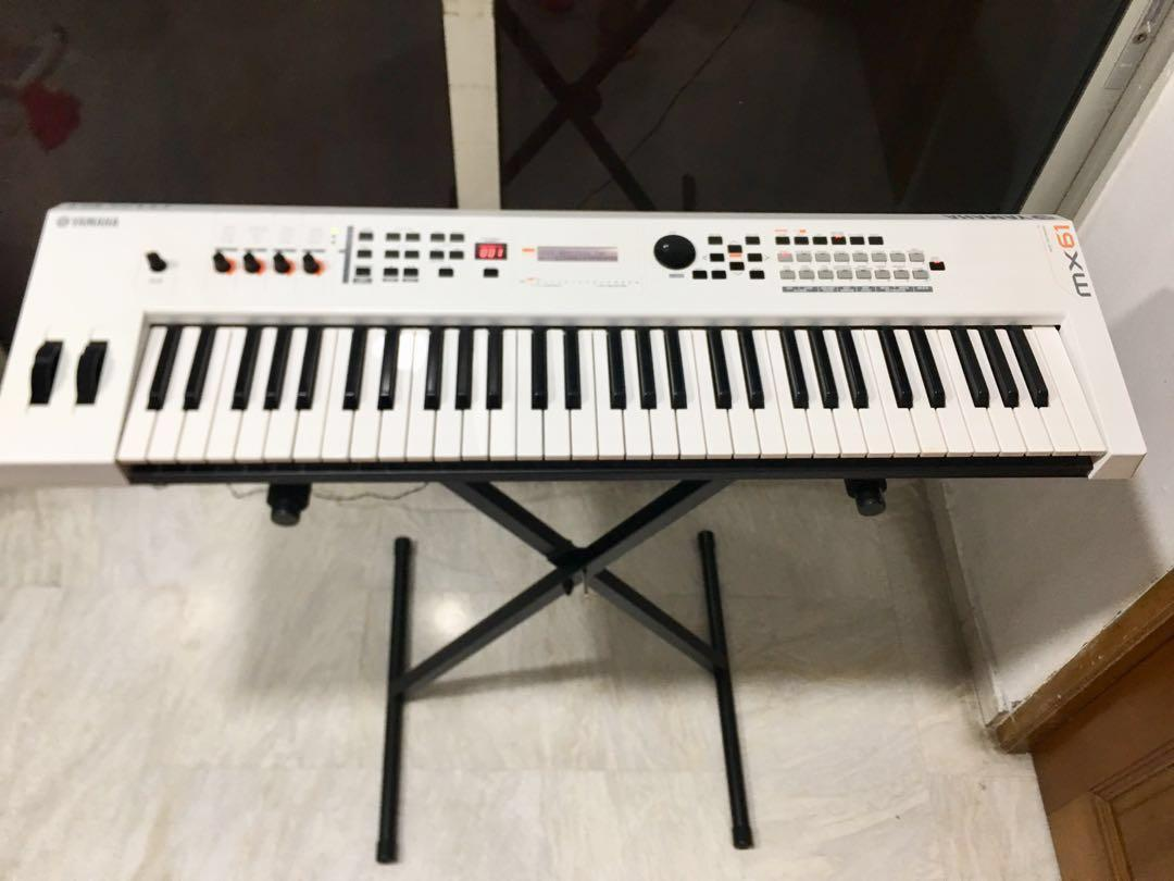 Yamaha MX61 MIDI keyboard, free padded gig bag, free 4 5m