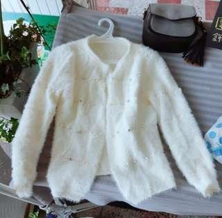 🚚 ♡現貨♡釘珠裝飾短款開衫毛衣外套