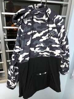 Snowboard camo hoodie