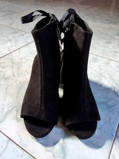 NEW!! Stradivarius Peep Toe Boots