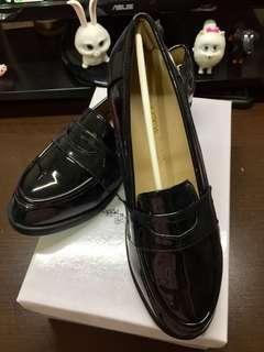 🚚 亮面漆皮牛津鞋