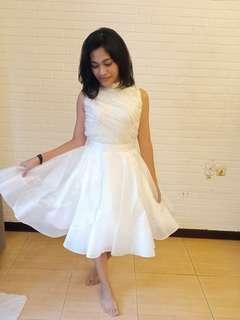 White Dress untuk Prewed / Party