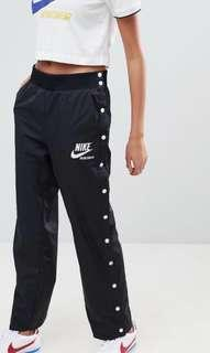 Nike Women's tear away pants -size Medium