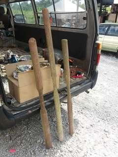 Pemukuk lesung kayu antik..