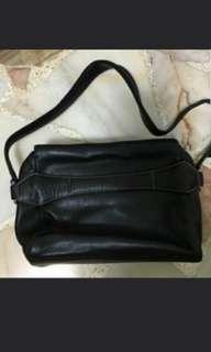 🚚 Braun Buffe Shoulder bag (small)