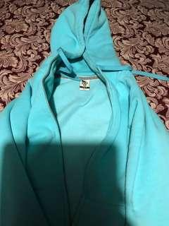 Aritzia sweater blue size small in EUC
