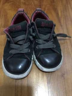 🚚 Converse Shoes All Star Chuck Taylors Boys