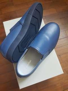 🚚 Calvin Klein Leather Slip-on